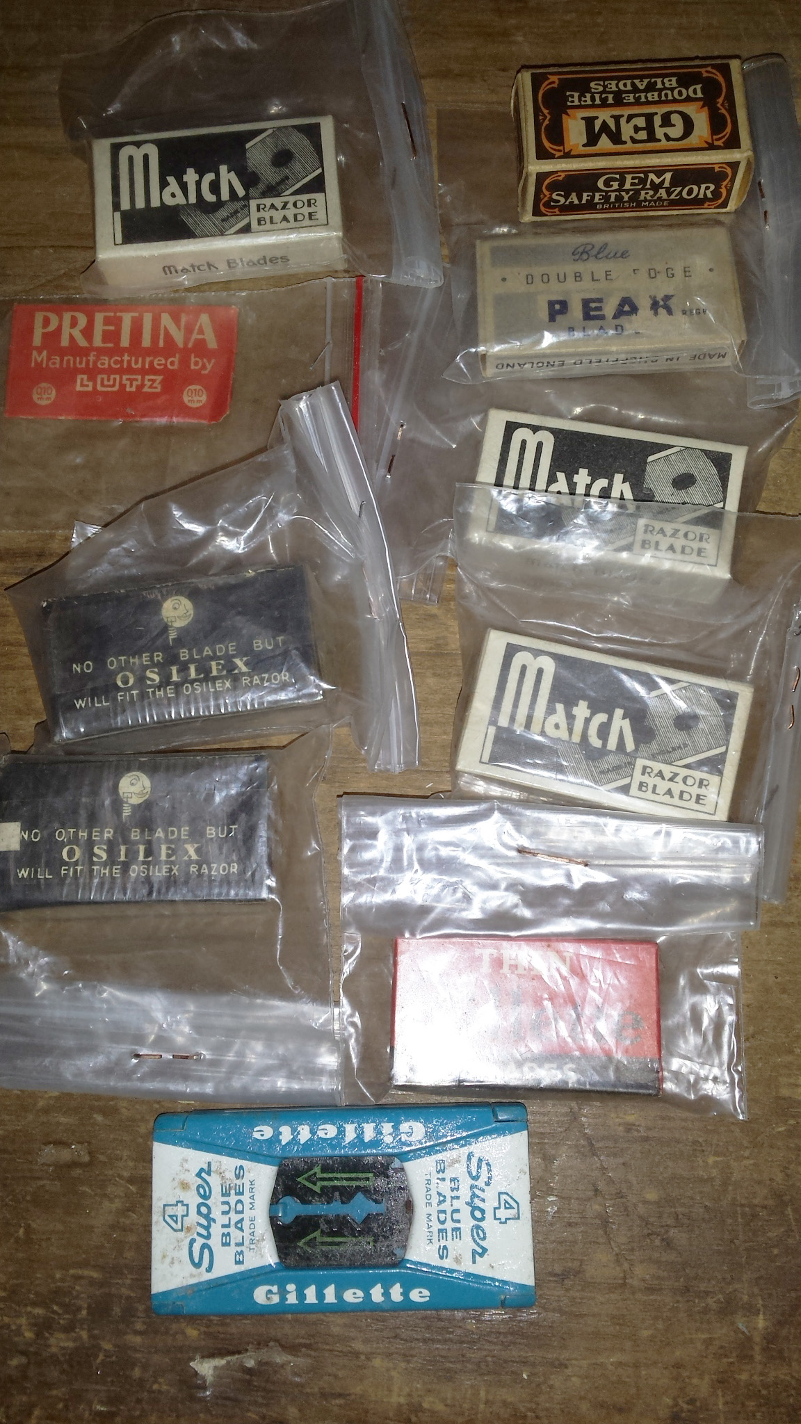 Vintage packets of Razor Blades for sale at HEATHS OLD WARES COLLECTABLES AND INDUSTRIAL ANTIQUES Heaths Old Wares, collectables and industrial antiques, 19-21 Broadway Burringbar NSW 2483 Open 7 days Ph: 0266771181